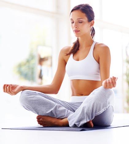 durch yoga jünger aussehen